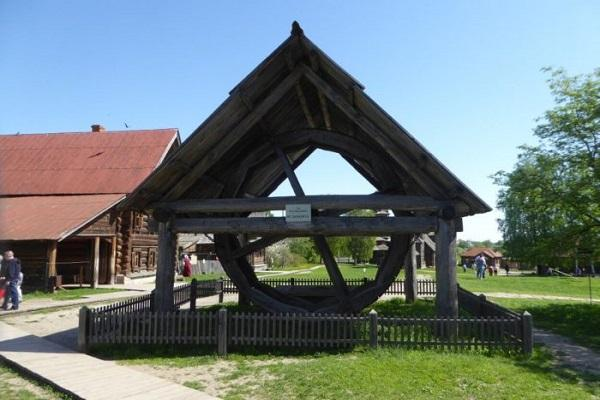 Колесный колодец из села Кольцова