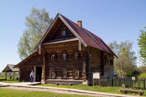 Избы и дома крестьян