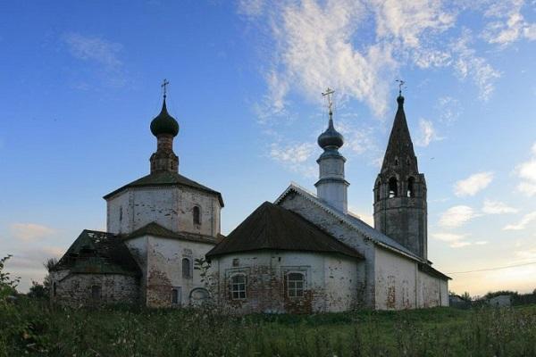 Козьмодемьянская и Крестовоздвиженская церкви в Коровниках