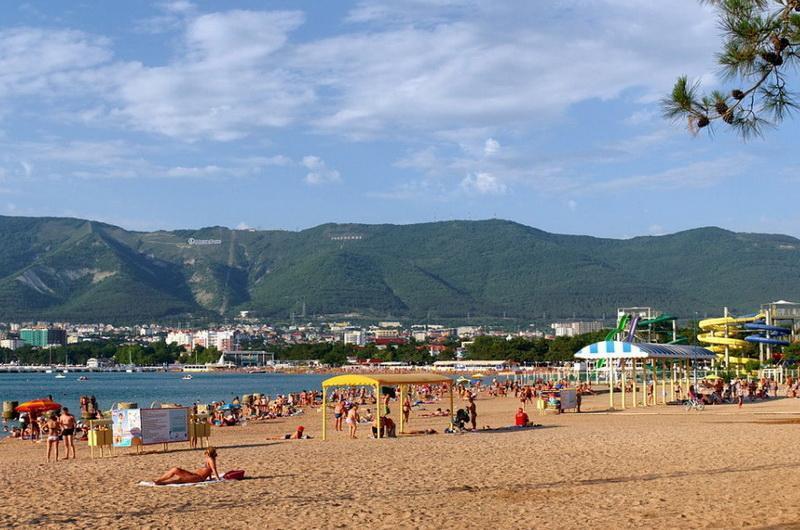 Где лучше и дешевле провести отпуск: в Анапе или Геленджике