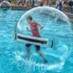 Воздушный пузырь в бассейне